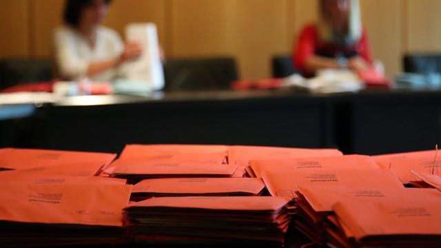 Niemcy: rozpoczęły się wybory do Bundestagu - Merkel faworytem