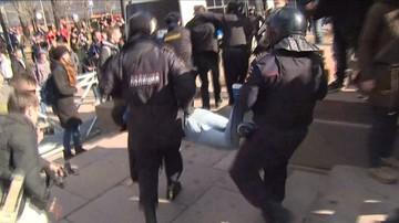 2017-03-26 Kilkadziesiąt tysięcy Rosjan wyszło na ulice. Protety i zatrzymanie Nawalnego