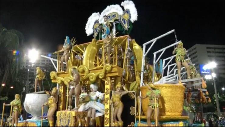 Wystartował barwny karnawał w Rio