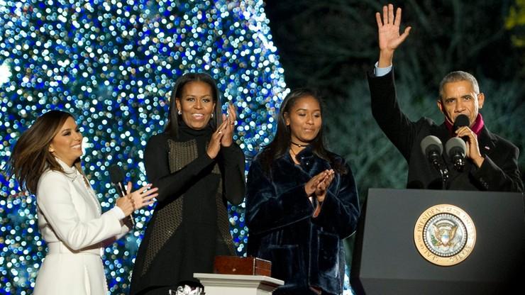 Ostatnie święta Obamy w Białym Domu. Prezydent zapalił światełka na choince