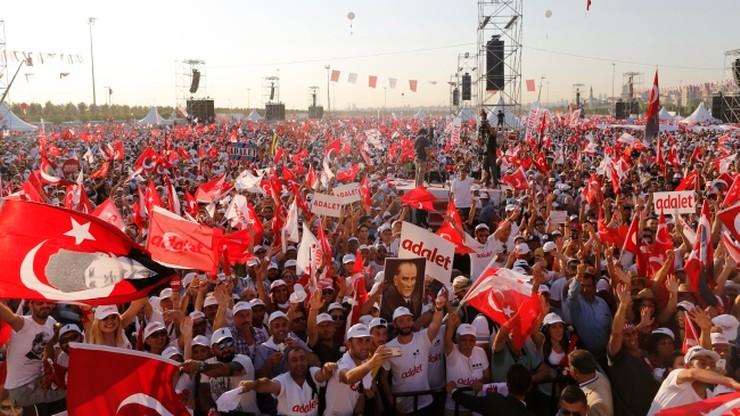 """Wielki wiec w Stambule na zakończenie """"Marszu sprawiedliwości"""""""