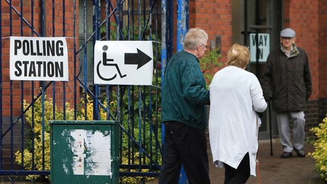 Wielka Brytania: Walka o wynik wyborów w decydujących okręgach