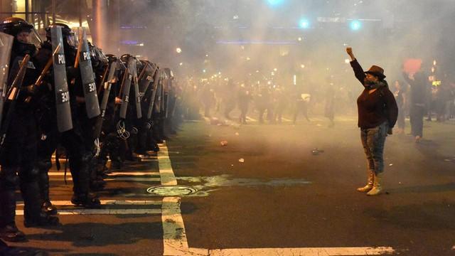 USA: 9 rannych, 44 zatrzymanych po zamieszkach w Charlotte