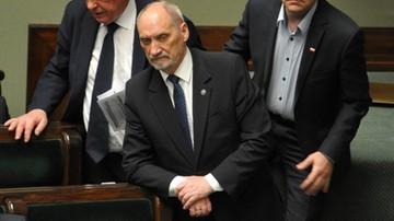 PO złożyła wniosek o wotum nieufności dla Macierewicza