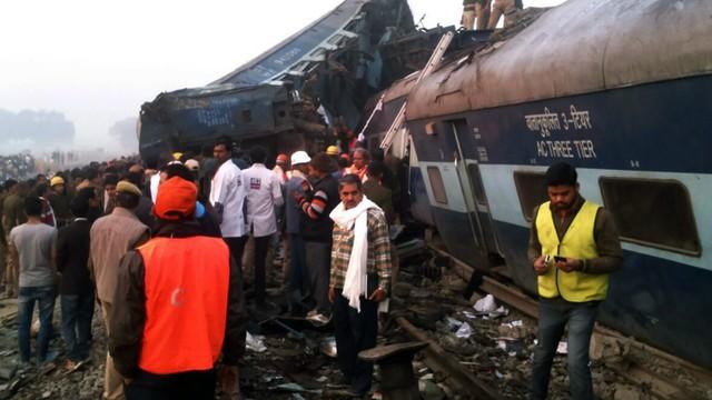 Indie: do 91 wzrosła liczba ofiar śmiertelnych katastrofy kolejowej