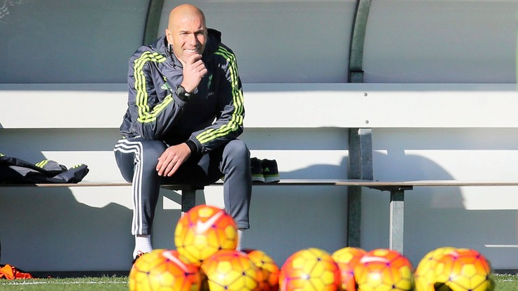 Zinedine Zidane na pierwszym treningu z piłkarzami Realu