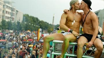 """22-07-2017 21:12 Setki tysięcy uczestników parady równości w Berlinie. """"Czas na walkę o akceptację"""""""