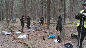 04-05-2016 17:33 Liczą rośliny, pobierają próbki gleby. Trwa inwentaryzacja Puszczy Białowieskiej