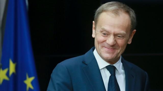 Tusk chce wkurzyć Macierewicza? Złożył życzenia Maciejowi Laskowi