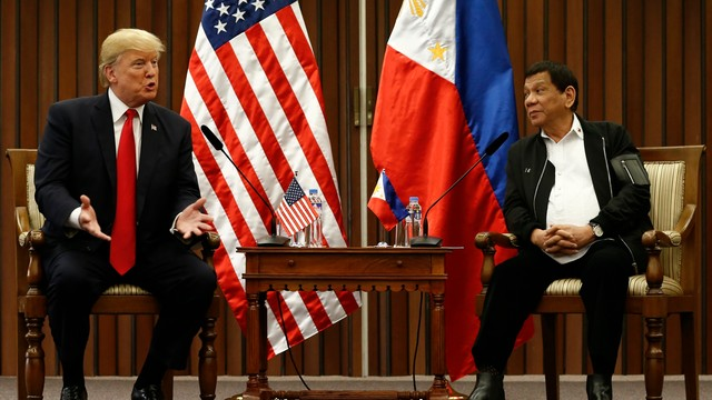 Filipiny: Trump chwali wspaniałe relacje z Dutertem