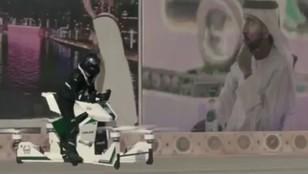 Nowa zabawka policji w Dubaju. Funkcjonariusze dostaną latające motocykle