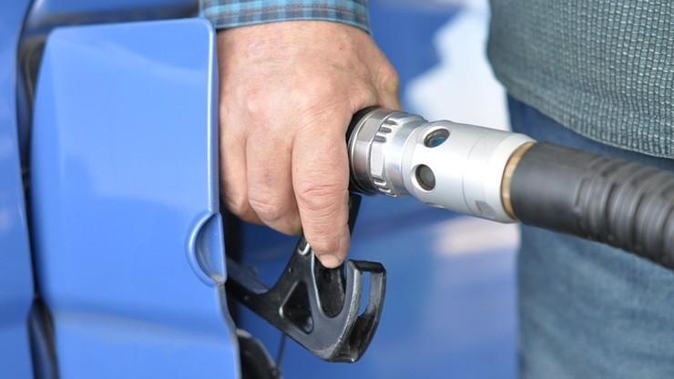 Prezydent podpisał tzw. pakiet paliwowy. Uszczelni pobór VAT