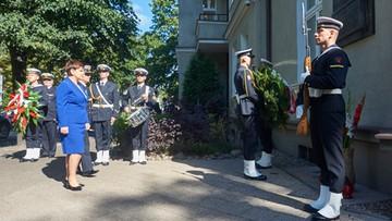 31-08-2016 11:24 Szydło uczciła pamięć Lecha Kaczyńskiego i Anny Walentynowicz