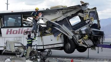 2016-10-23 USA: zderzenie autokaru z ciężarówką. Wiele ofiar