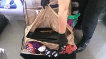 Próbowała z synem wjechać do Polski. 8-latka ukryła w walizce