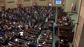 31-03-2016 20:32 Sejm uchwalił ustawę wstrzymującą sprzedaż państwowej ziemi