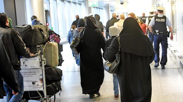 Niemcy: coraz więcej imigrantów wraca dobrowolnie do kraju