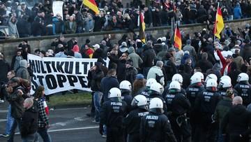 09-01-2016 17:31 Niemcy: Policja rozwiązała demonstrację ruchu Pegida w Kolonii