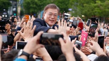 """08-05-2017 12:33 """"Darmowe przytulanie"""". Lider sondaży w Korei Płd. podziękował za frekwencję"""