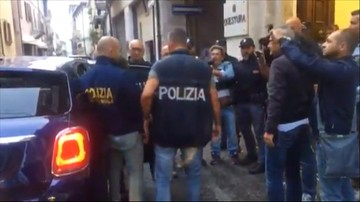 Ofiary napaści w Rimini są w drodze do Polski. Dwaj zatrzymani nieletni zaprzeczają, by uczestniczyli w gwałcie