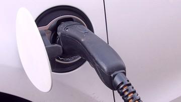 08-11-2017 15:55 KE: produkcja niskoemisyjnych samochodów powinna się zwiększyć do 30 proc.