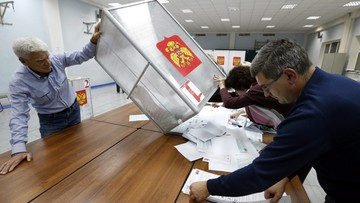 18-09-2016 20:56 Partia Putina i Miedwiediewa wygrała wybory w Rosji