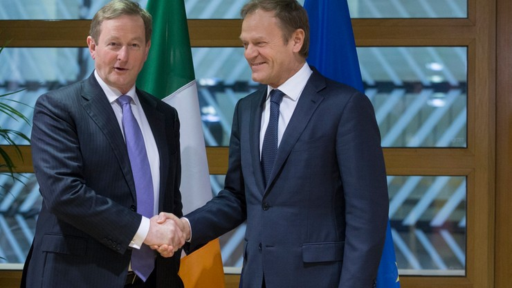 Premier Irlandii może zastąpić Tuska - uważa irlandzka gazeta. Ale tylko jeśli ten zrezygnuje