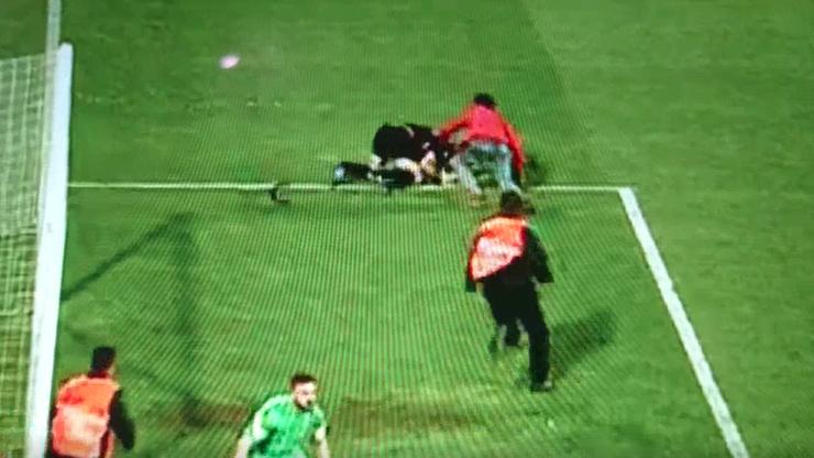Kibic Trabzonsporu pobił sędziego w trakcie meczu. Spotkanie przerwane