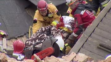 Ratownicy wynieśli spod gruzów trzecią ofiarę katastrofy