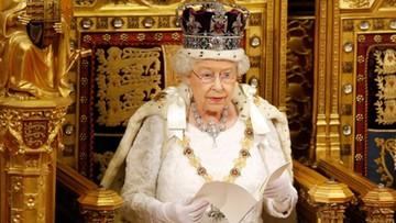 """06-02-2017 05:45 65 lat na tronie. Królowa Elżbieta II obchodzi """"szafirowy jubileusz"""""""