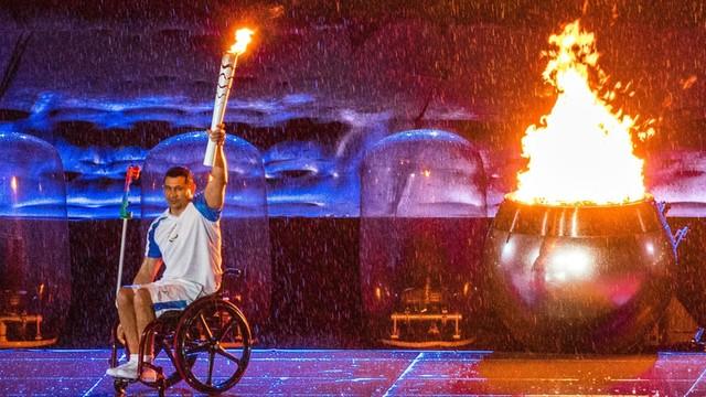 Niezniszczalny - ocalały z katastrofy bramkarz Chapecoense myśli o paraolimpiadzie