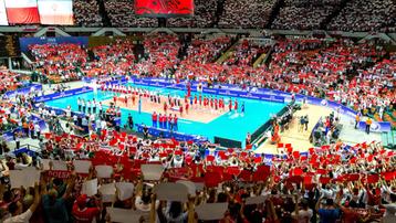 2017-08-16 Lotto Eurovolley Poland 2017: W Spodku w czwartek klejenie boiska