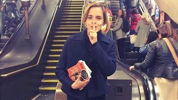 05-11-2016 17:02 Emma Watson podrzuciła książki w londyńskim metrze