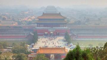19-01-2017 13:33 Pekin wyda 2,7 mld dolarów na walkę ze smogiem. 2 tys. fabryk do zamknięcia