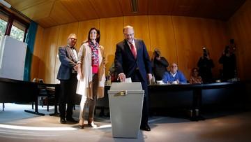 """24-09-2017 11:17 """"Liczę na dobry wynik"""". Martin Schulz oddał głos w rodzinnym Wuerselen"""