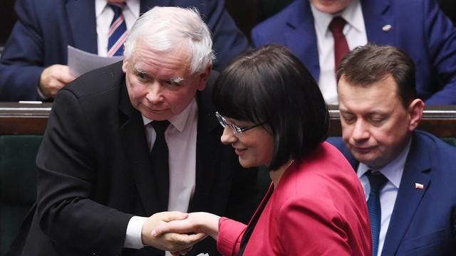 """Sejm: Projekt Ratujmy Kobiety 2017"""" odrzucony; #ZatrzymajAborcję do komisji"""