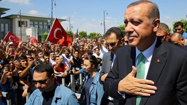 Turcja: do 30 dni wydłużono okres aresztu dla podejrzanych o udział w puczu