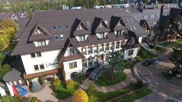 Hotel Belvedere przyjmuje gości, choć wg strażaków