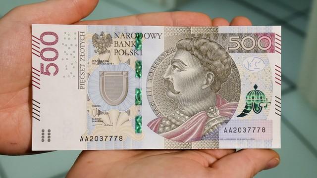 Do obiegu trafił nowy banknot 500 zł
