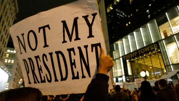 """10-11-2016 15:36 """"Garstka mazgajów"""" - Giuliani o protestujących przeciwko Trumpowi"""