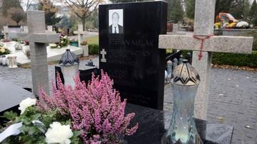 22-11-2016 07:59 Na Wojskowych Powązkach zakończyła się ekshumacja Stefana Melaka