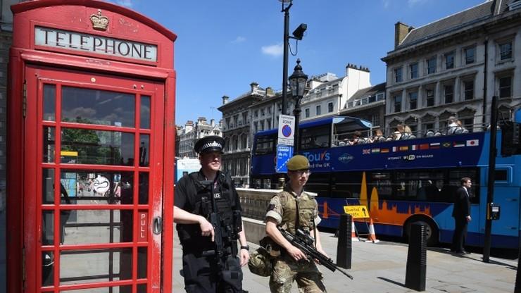 Brytyjski rząd uspokaja: brak sygnałów o zagrożeniach podczas weekendu