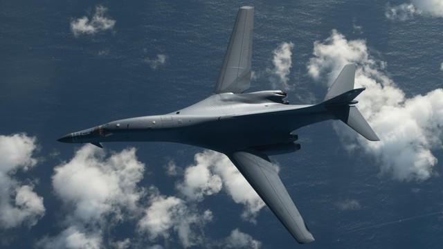 Dwa bombowce strategiczne B-1B przeleciały nad Półwyspem Koreańskim