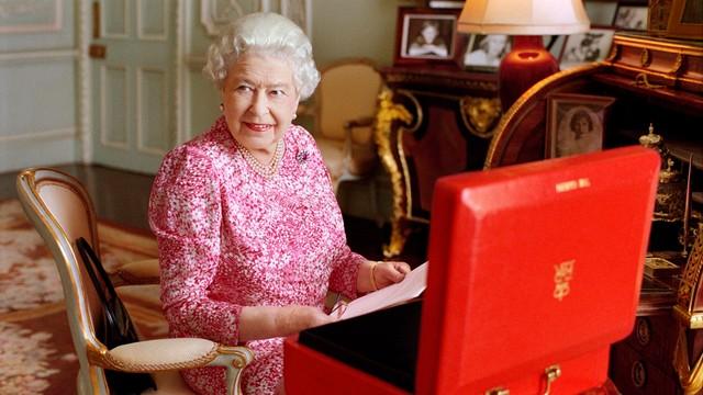 Wlk. Brytania: Królowa wściekła na Theresę May