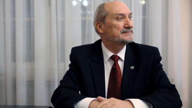 Macierewicz: kontrakt na obronę powietrzną w istocie nie istnieje