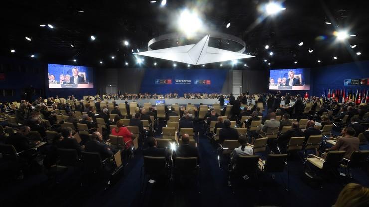 """""""NATO marzy o wojnie z Rosją"""". Rosyjska prasa o warszawskim szczycie"""