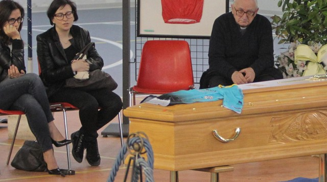 Michele Scarponi zostanie pochowany w kolarskim stroju