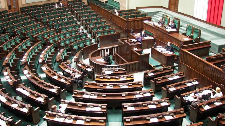 Koniec z przemawianiem do pustych ław w Sejmie. Marszałek Sejmu planuje rewolucję