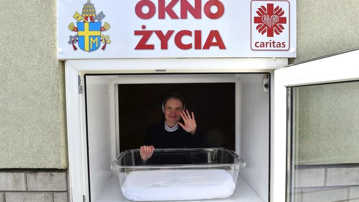 """10 lat temu powstało pierwsze w Polsce """"Okno życia"""""""