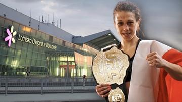 2015-11-17 Przywitaj Joannę Jędrzejczyk na lotnisku!